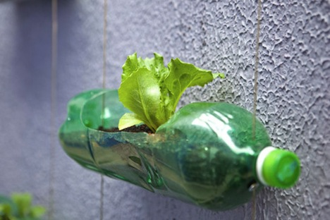 vertical-garden-bottles-03